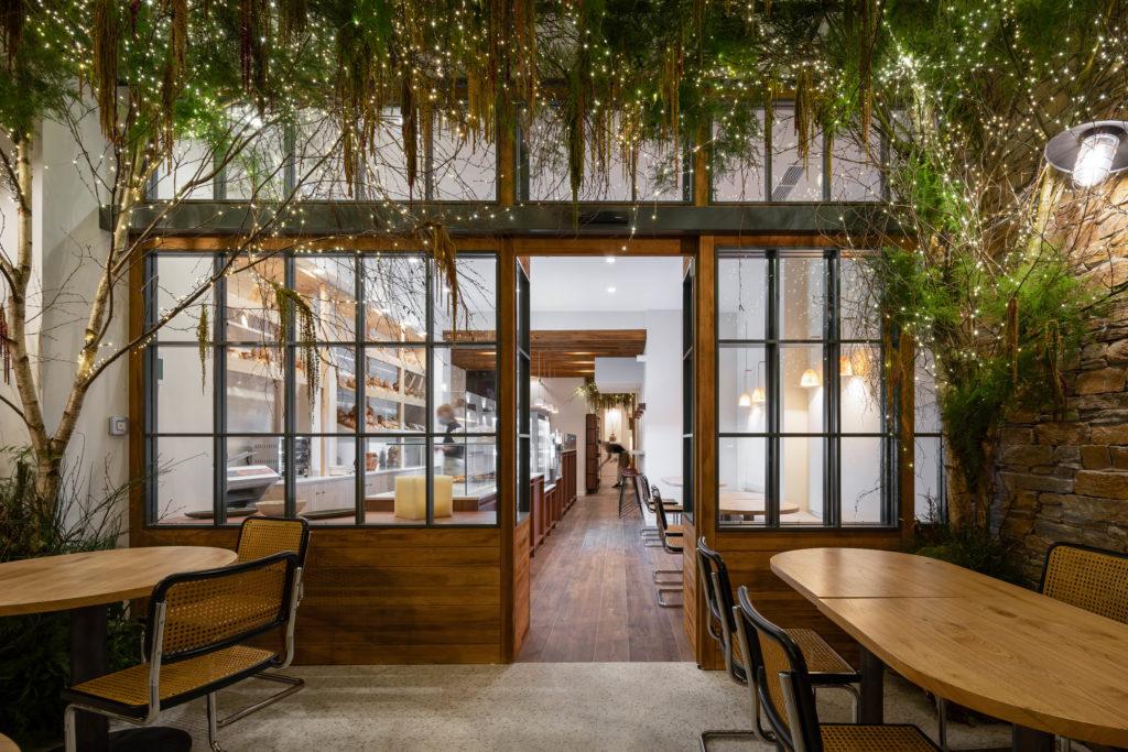 proyecto de interiorismo amaranto coffe shop