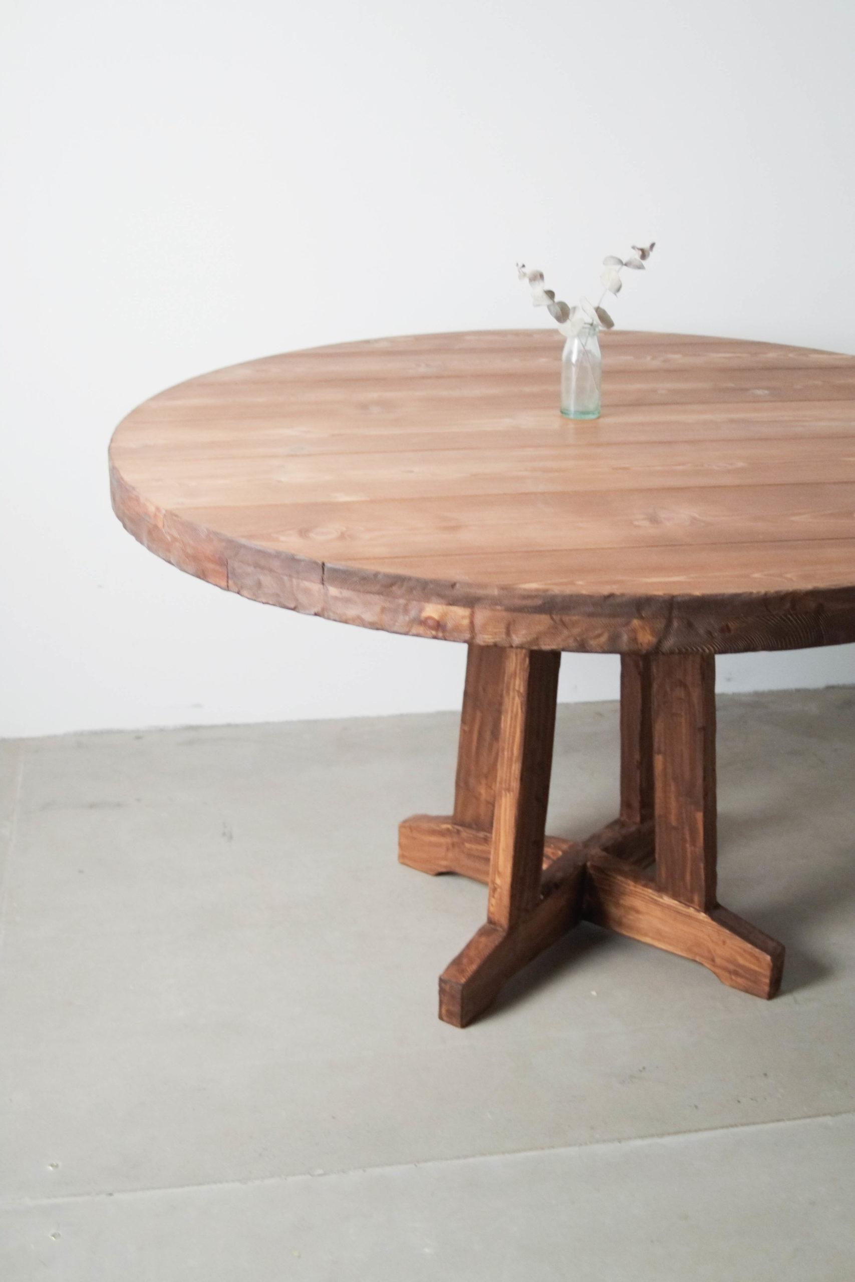 mesa madera redonda de comedor de diseño