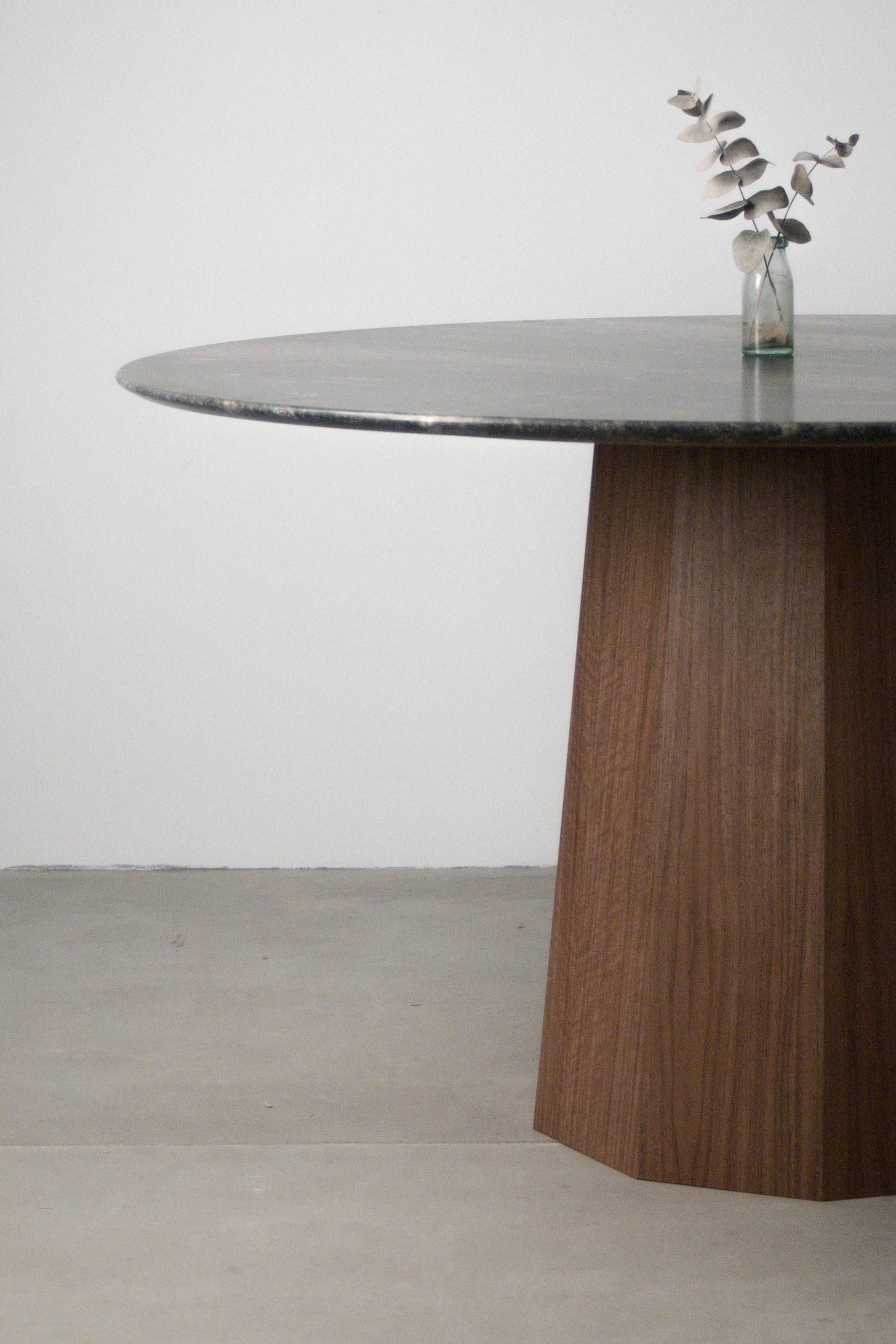 mesa seis 6 personas detalle de canto borde natural marmol