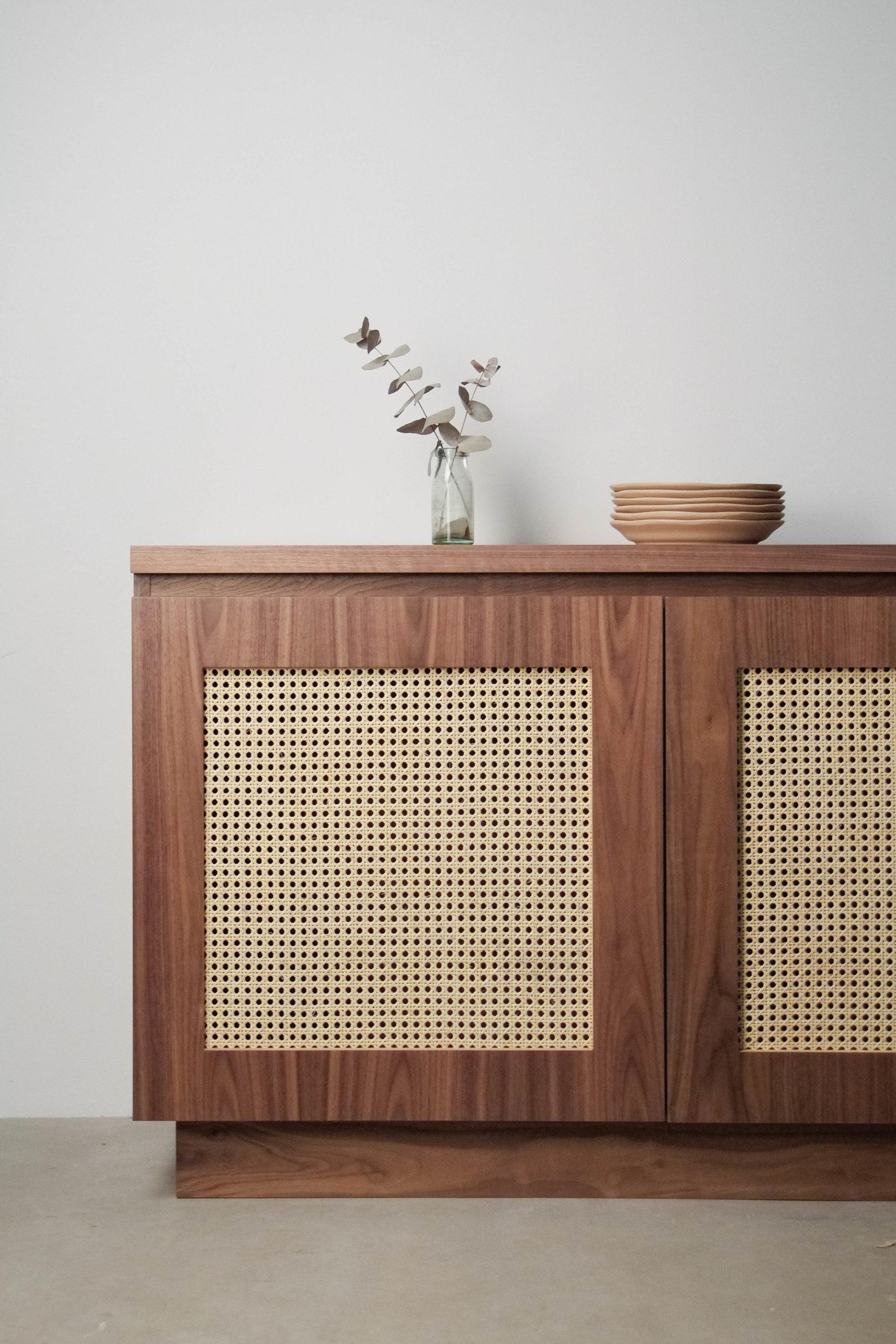 mueble de diseño de nogal de calidad puertas decoracion oscuro madera
