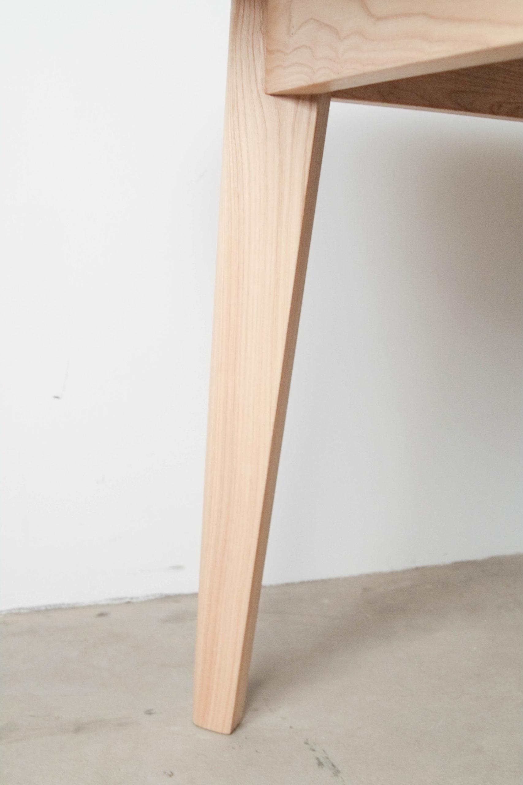 mesa de comedor de diseño madera
