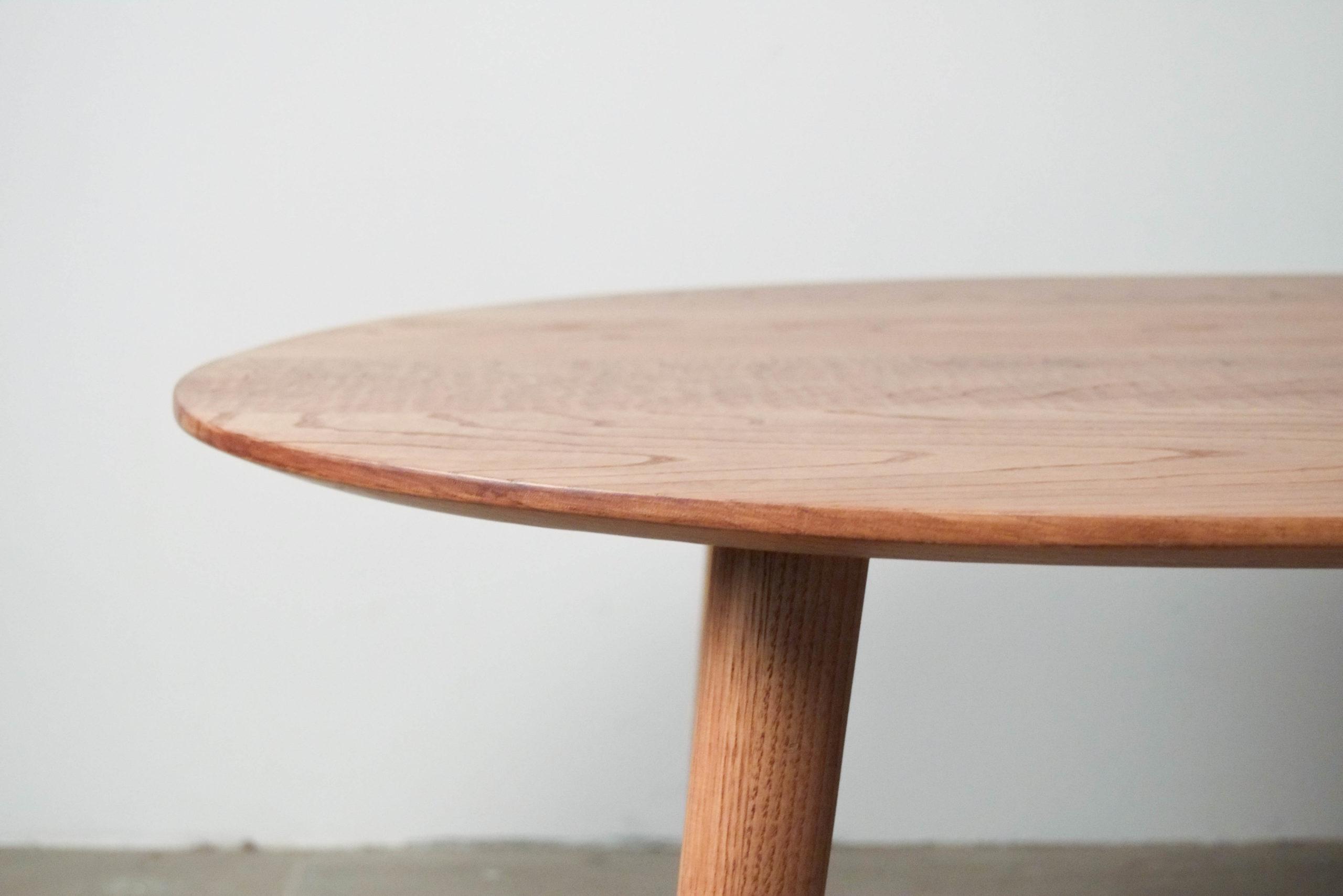 mesa de madera pata redonda