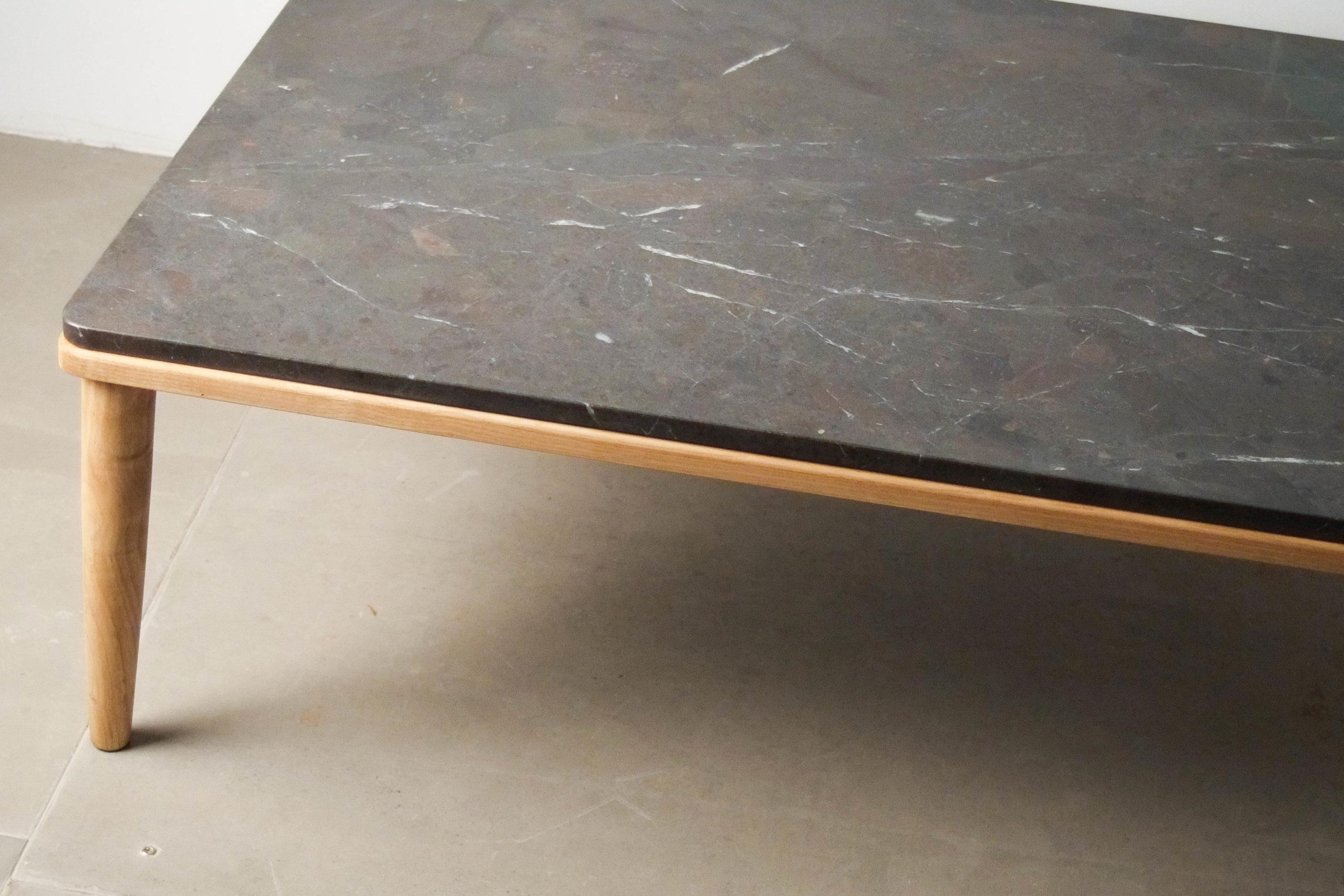 detalle mesa madera marmol calidad hecha a mano pata