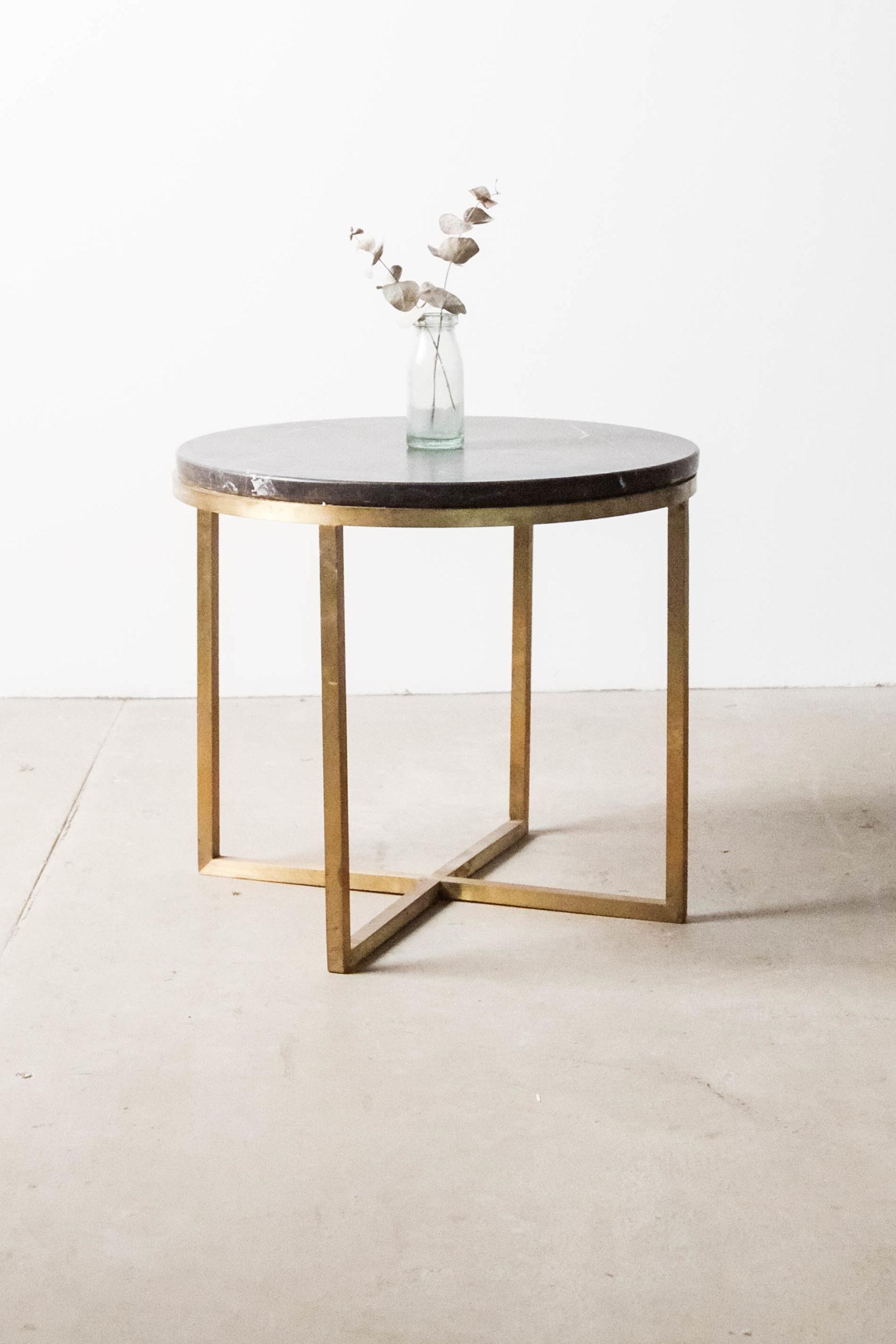 mesa de laton fabricada a mano