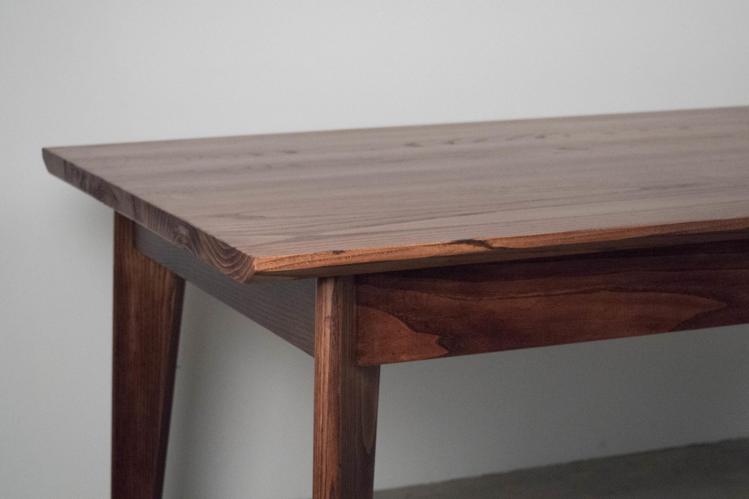 mesa de comedor de madera de diseño