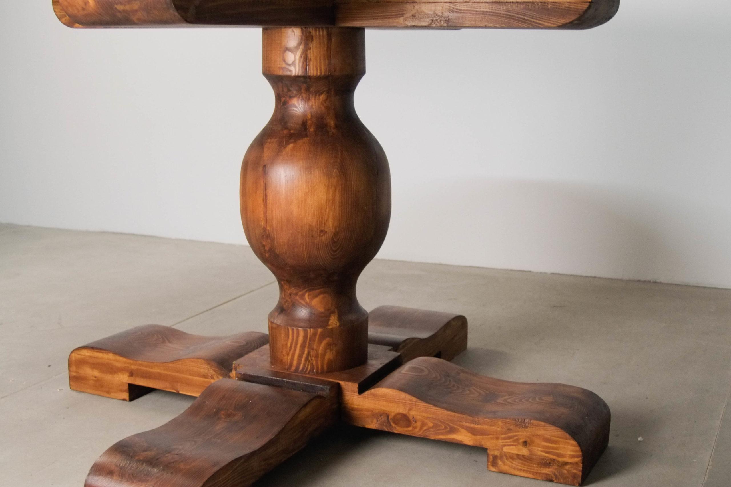 pie de madera maciza de castaño torneada