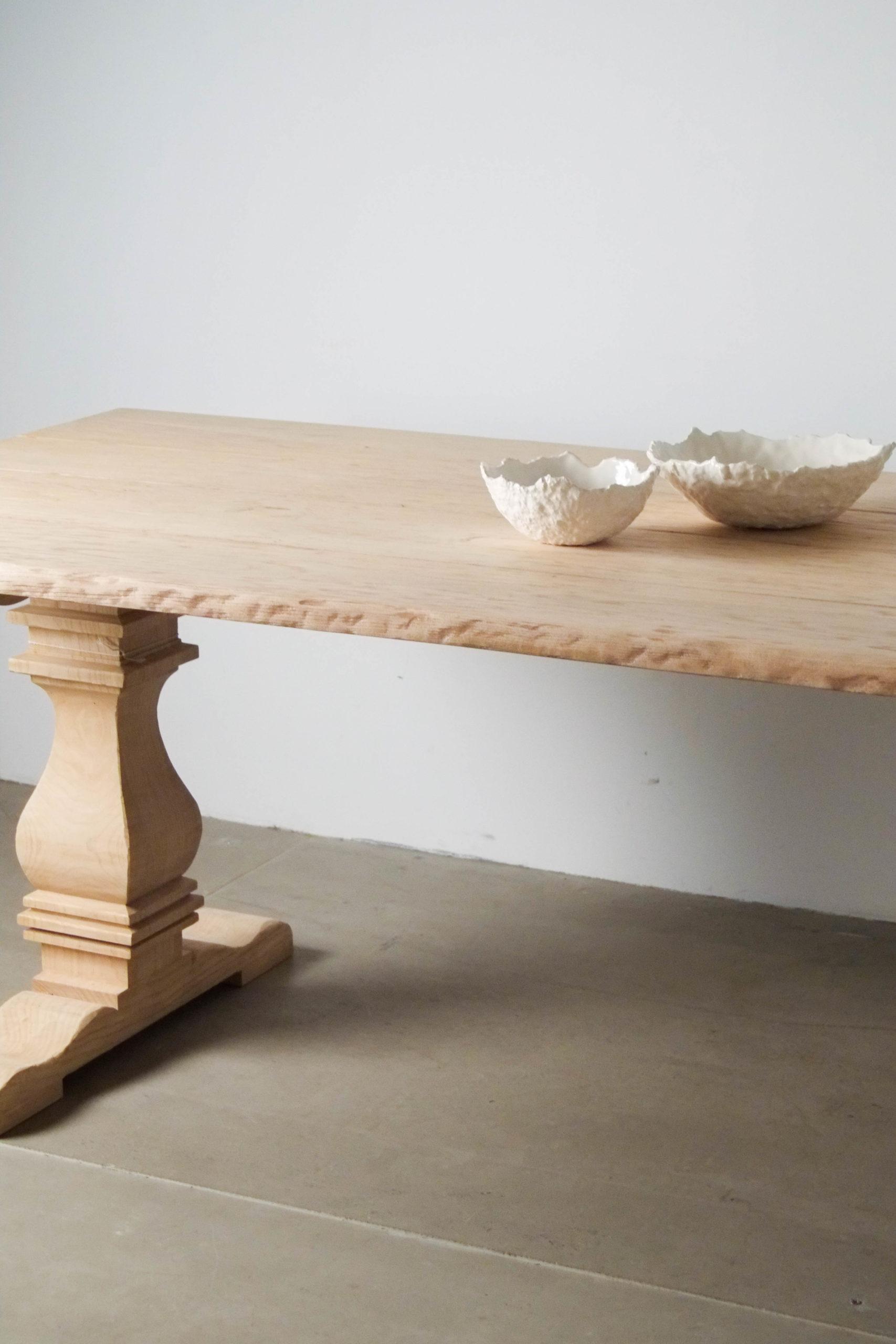 mesa de madera rustica pie torneado madera cuencos comedor