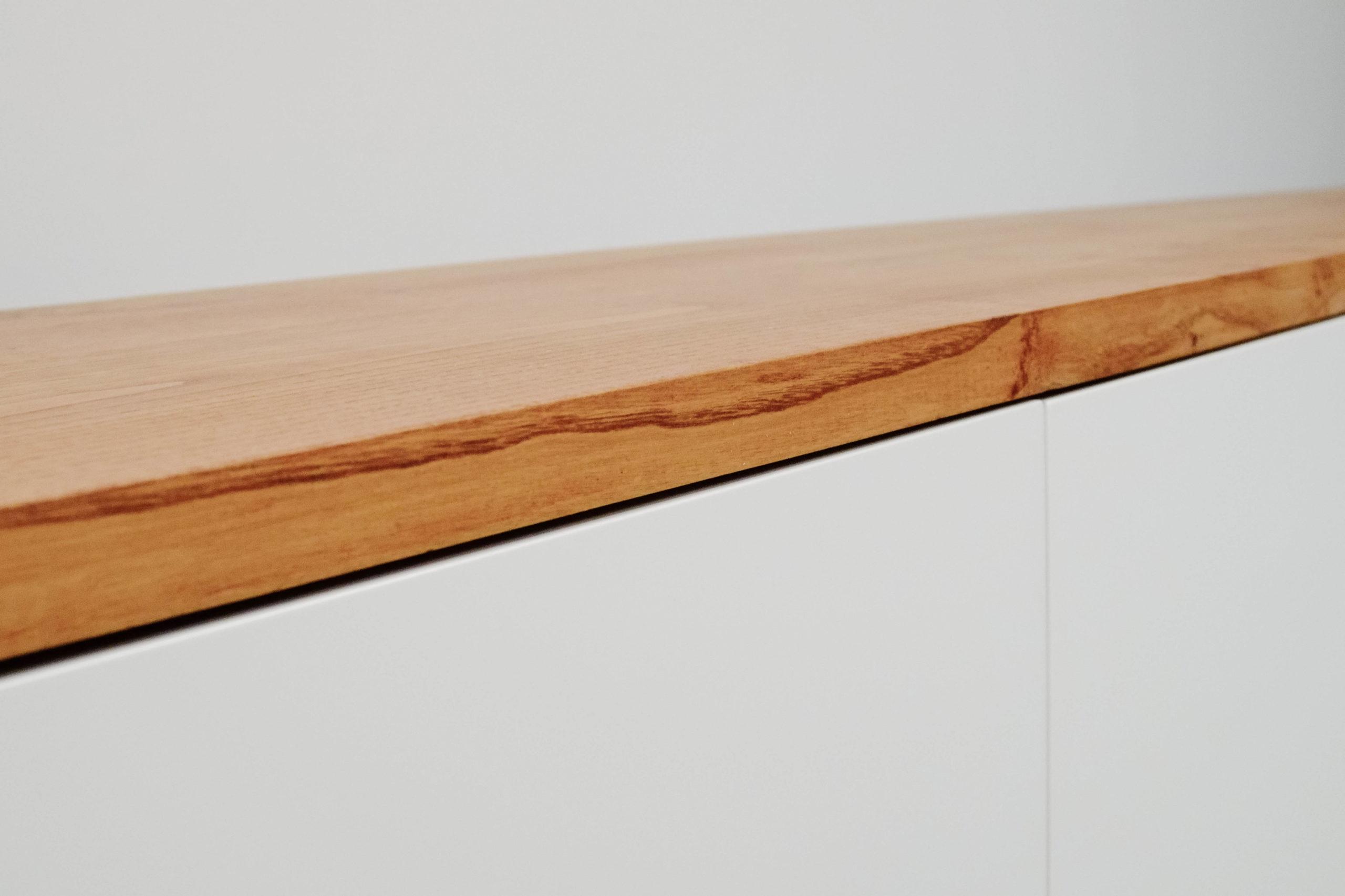 mueble blanco de madera tv hecho a medida