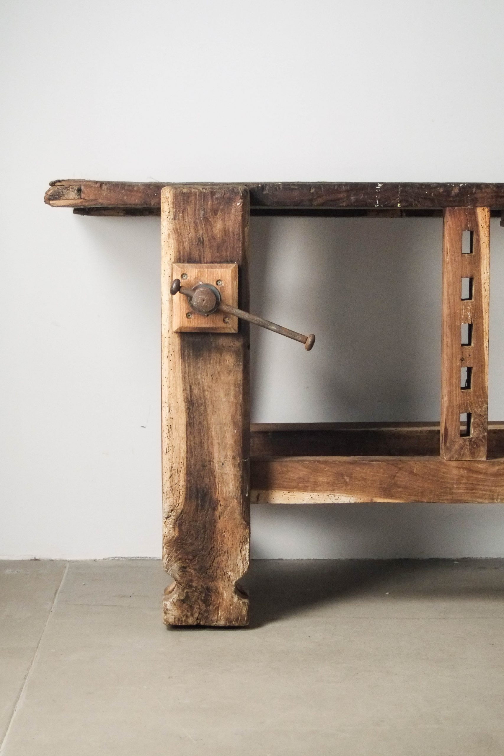 detalle de banco de madera de diseño