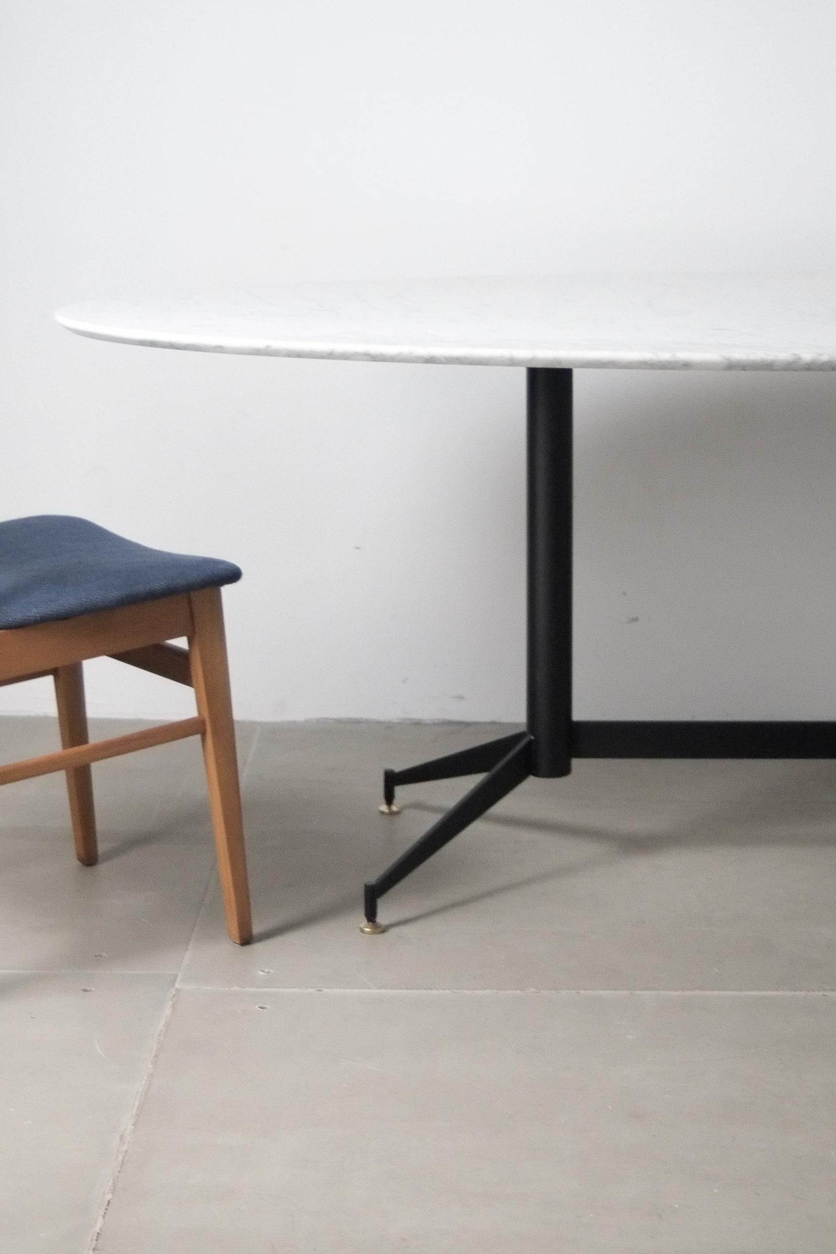 mesa blanca ovalada hecha a mano de diseño