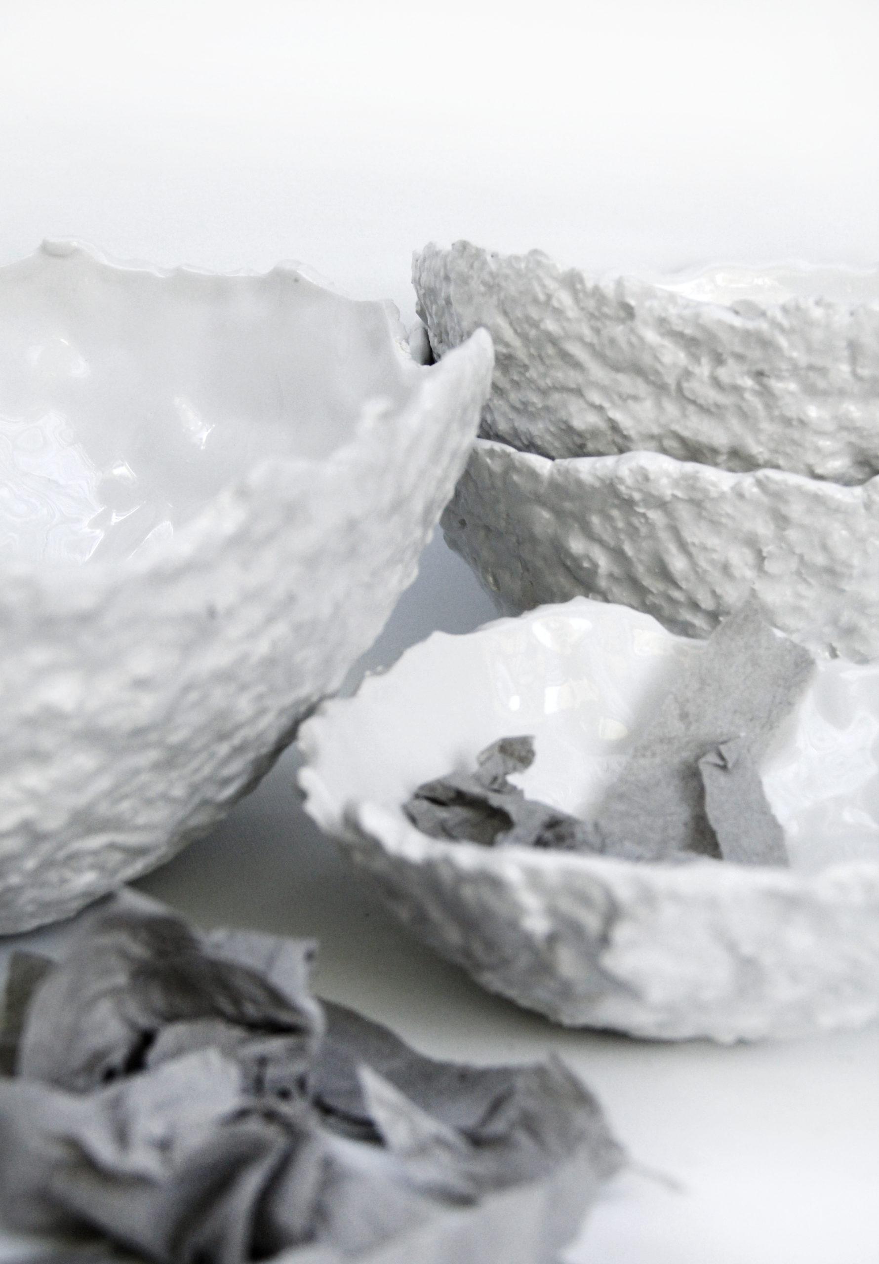 cuencos de diseño blancos ceramica fabricados a mano papel mashe irregulares