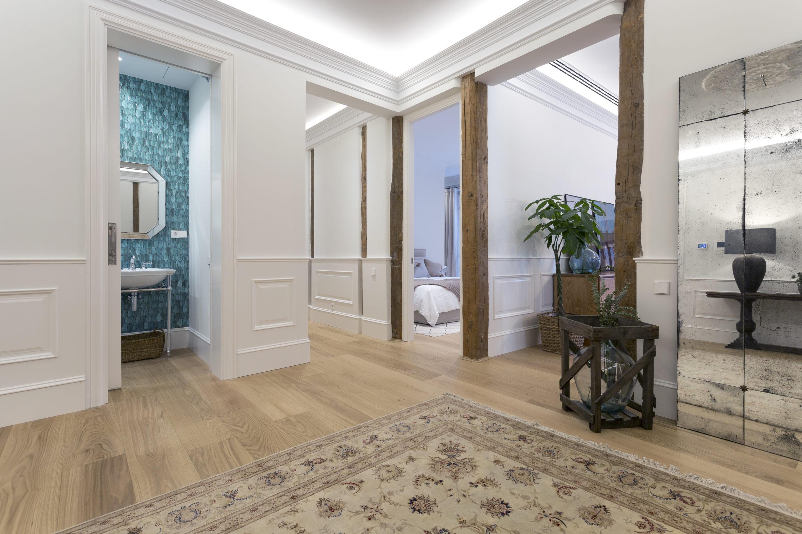 vista interior entrada piso reforma de diseño