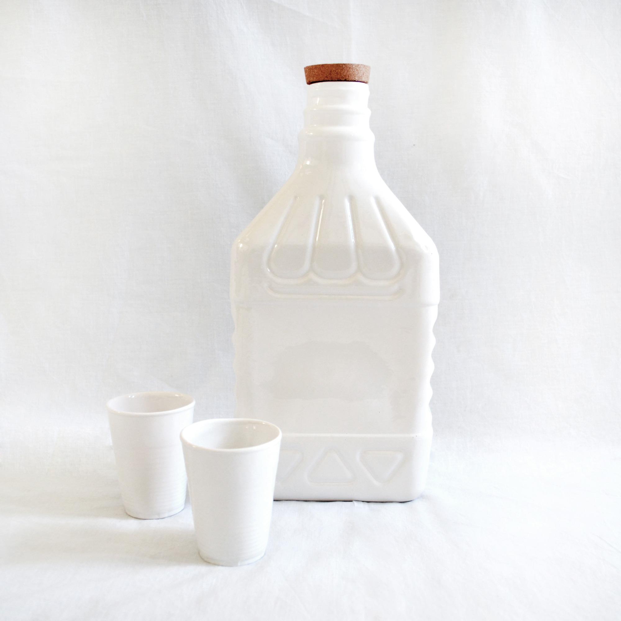 botella grande reciclable de agua elegante diseño jarron decoracion