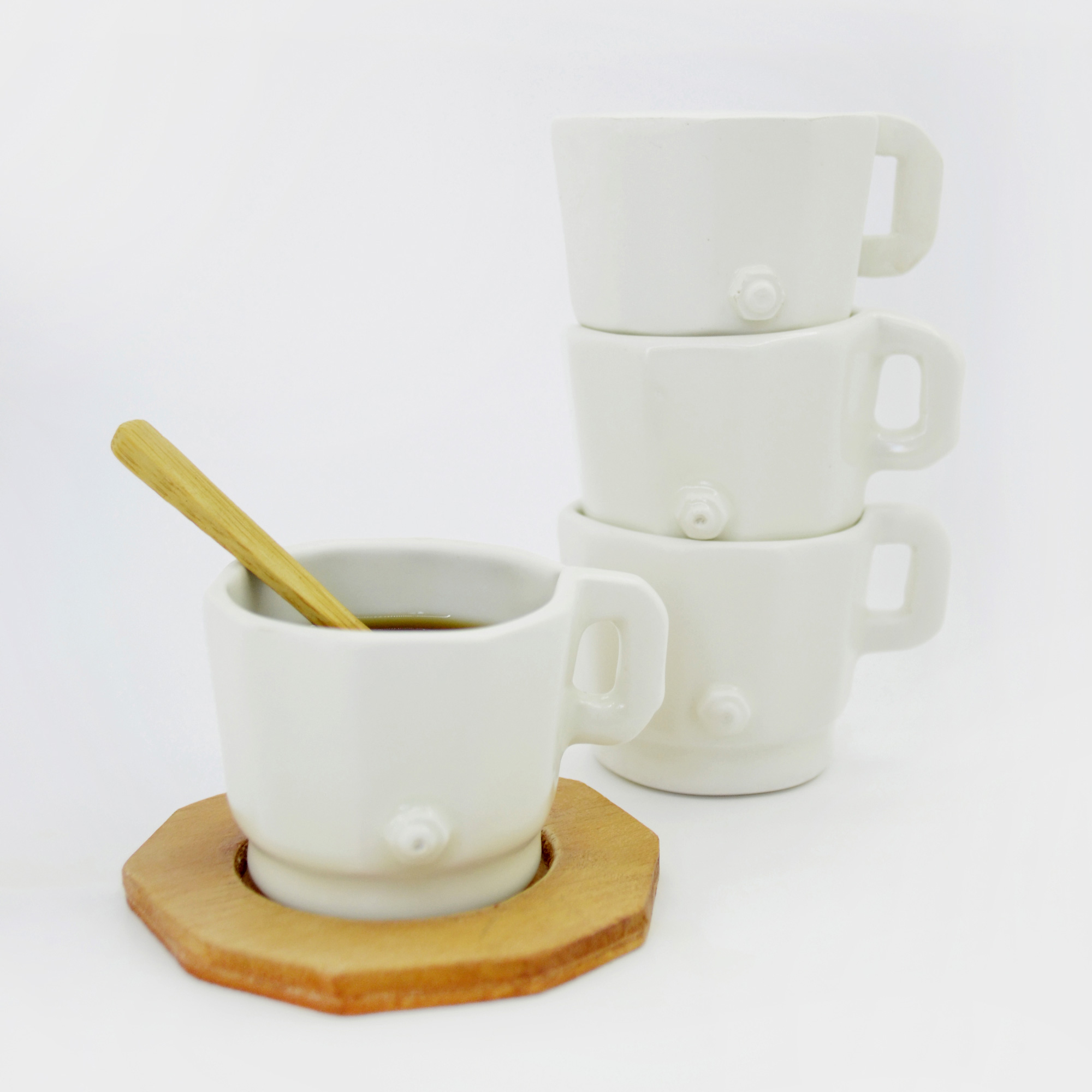 taza ceramica pequeña hecha a mano cafe espreso de diseño hecha a mano