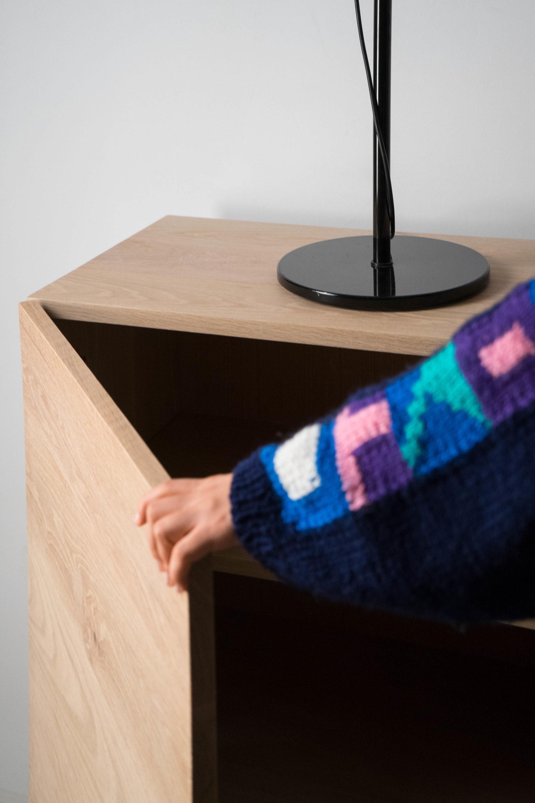 aparador pepita de madera de castaño almacenaje salon mueble a medida