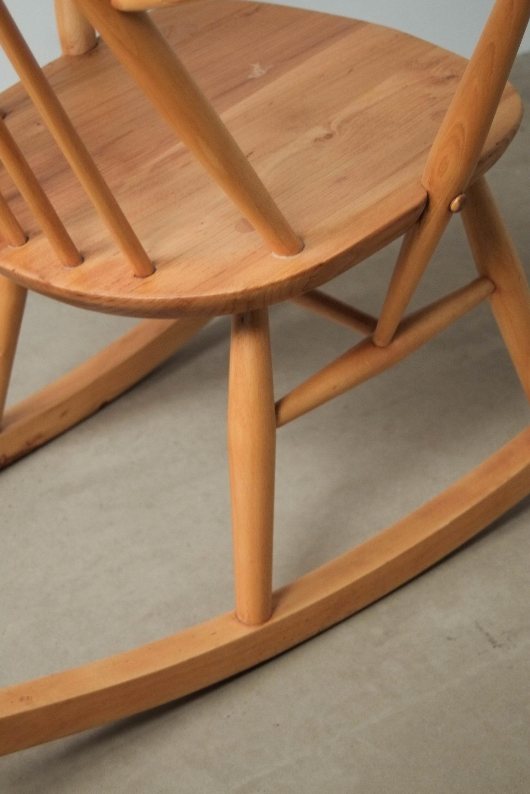mecedora ercol de madera maciza hecha a mano olmo windsor