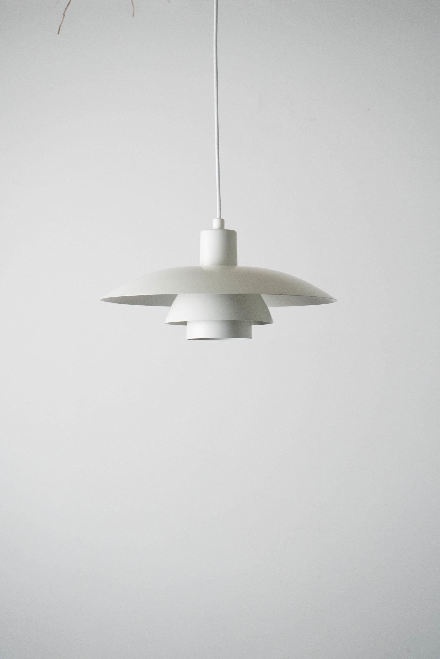 lampara de techo poulsen pequeña blanca