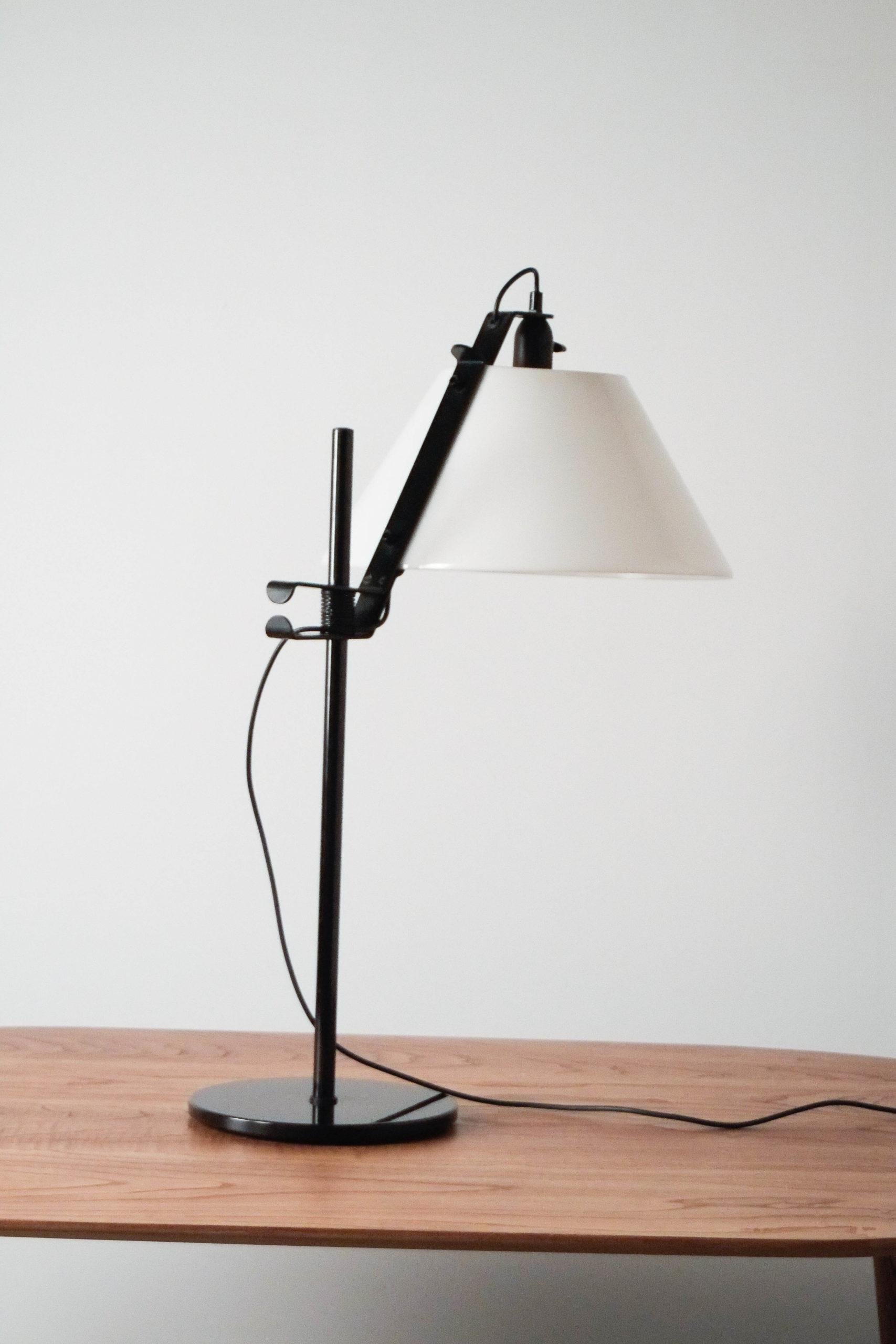 pantalla opaca blanca lampara de mesa metalart antoni blanc