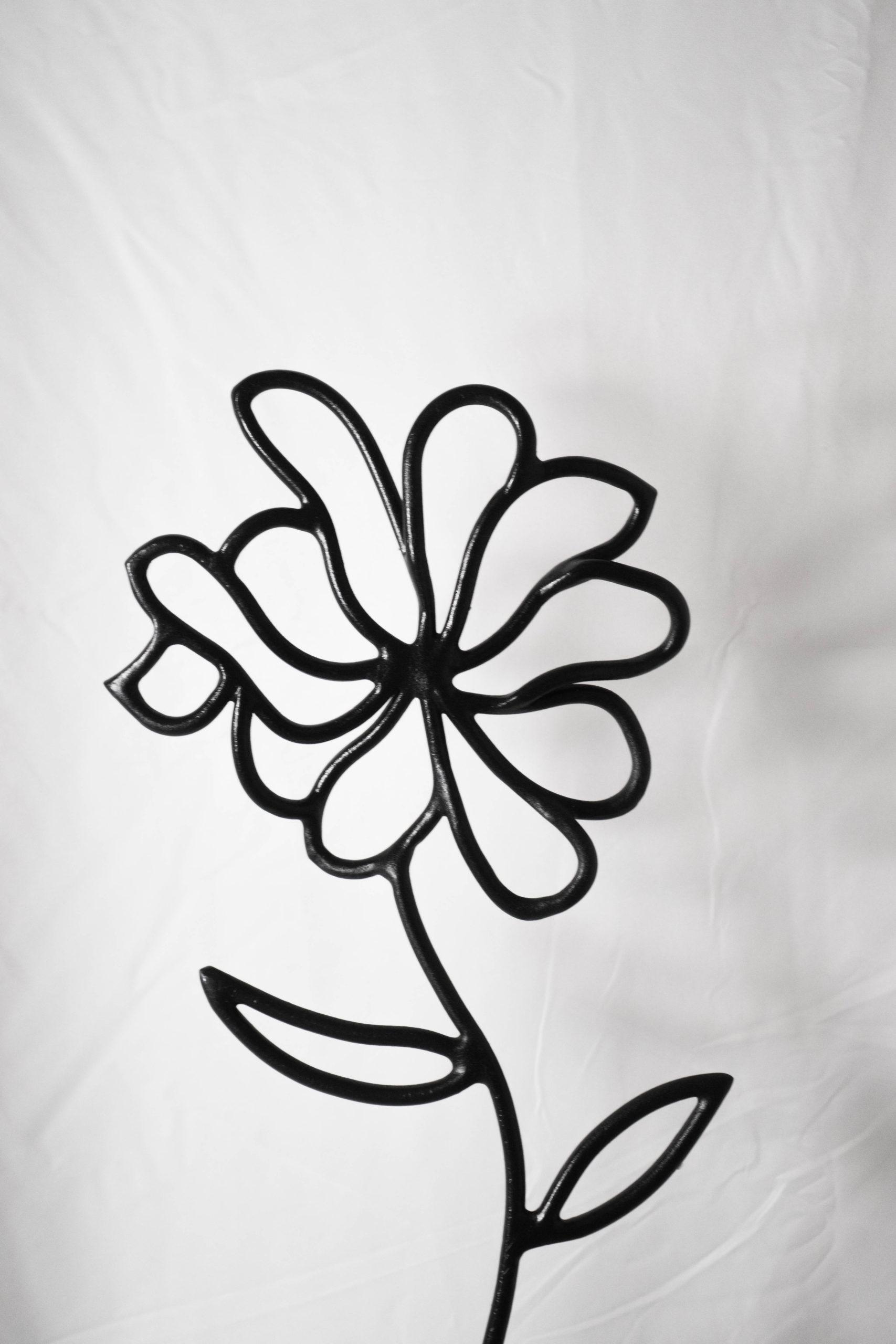 flor de metal escultura