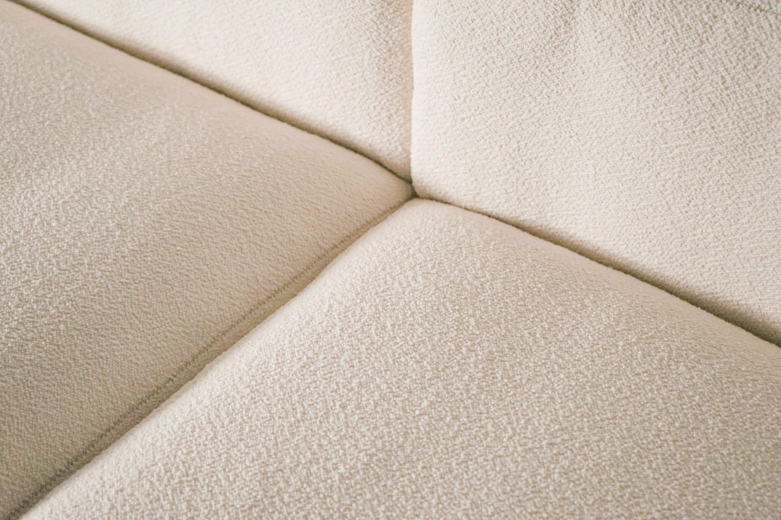 sofa grande de tres plazas